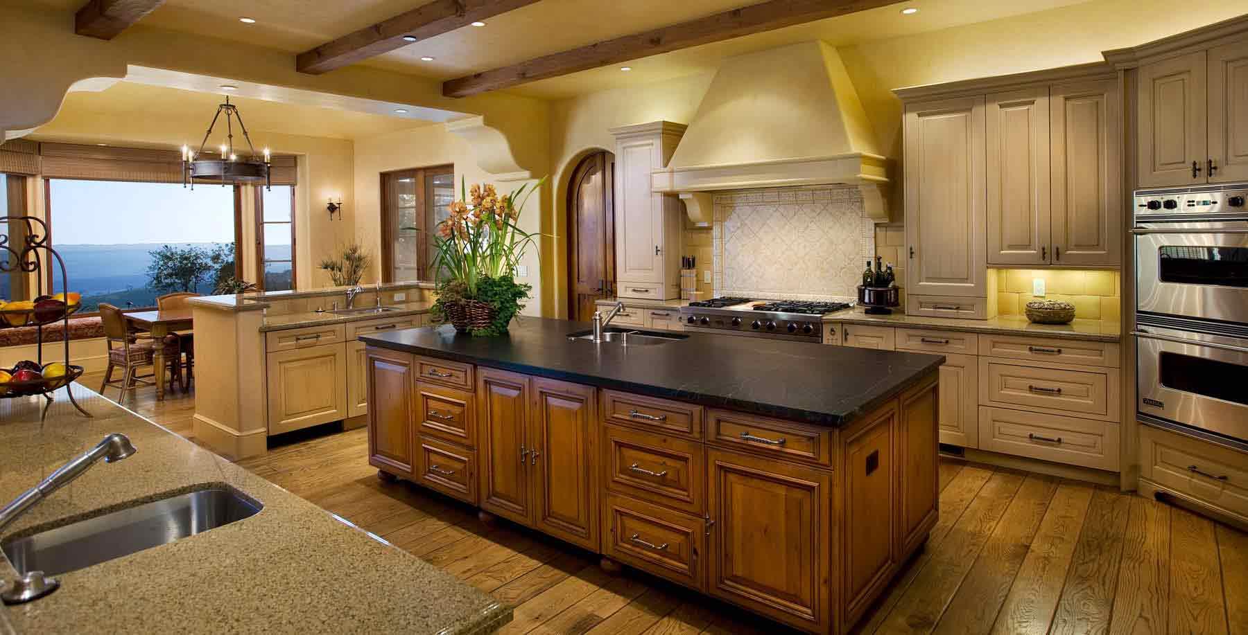 Дизайн интерьера кухни в обоях
